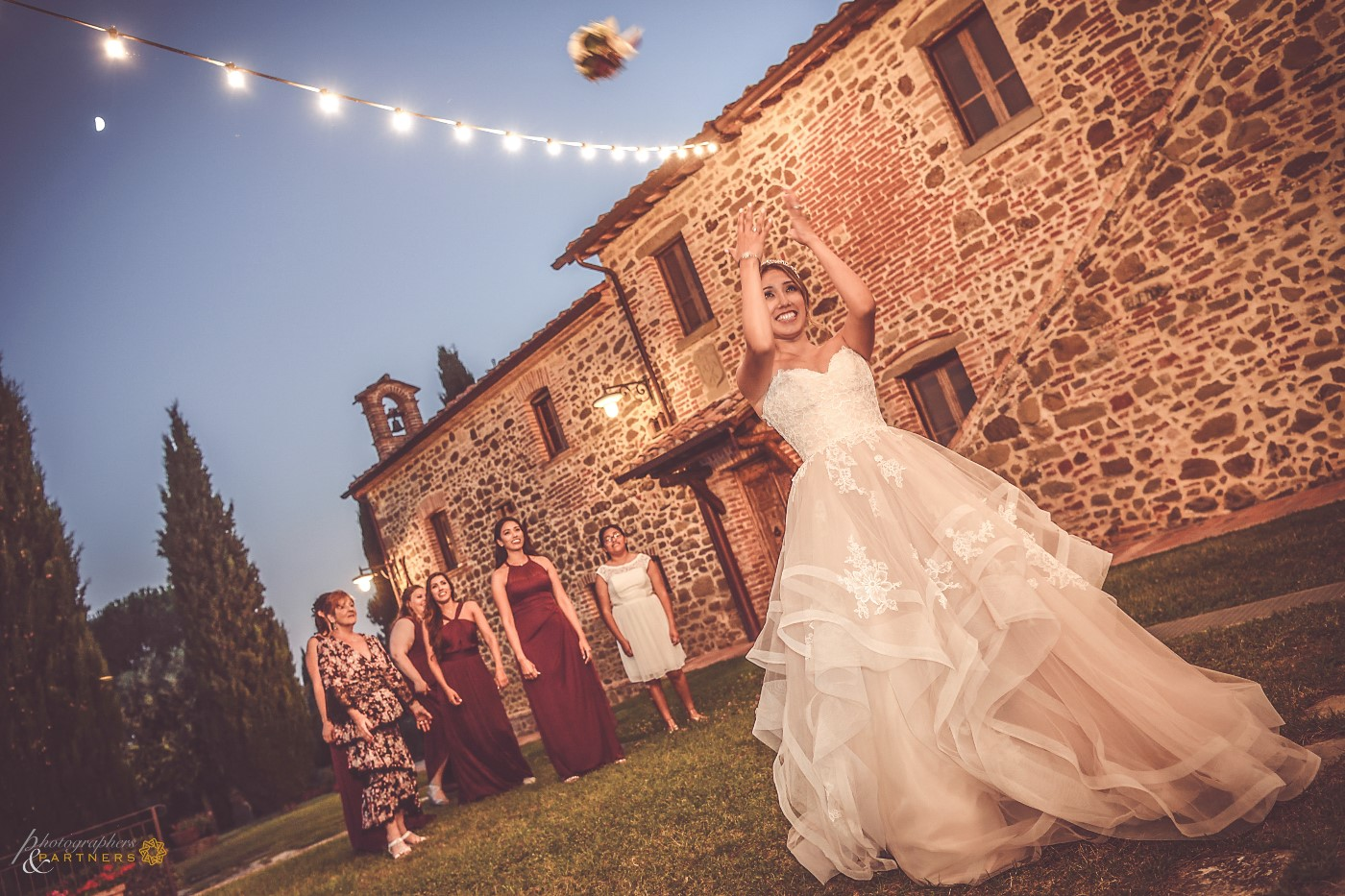 The throw of the bouquet.