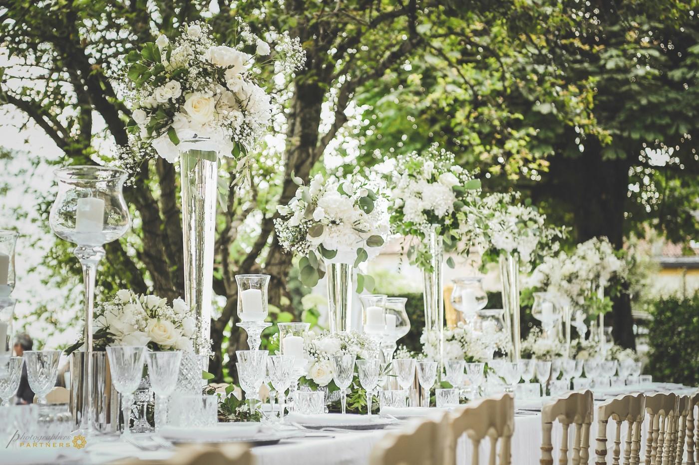 Elegant dinner table decoration.