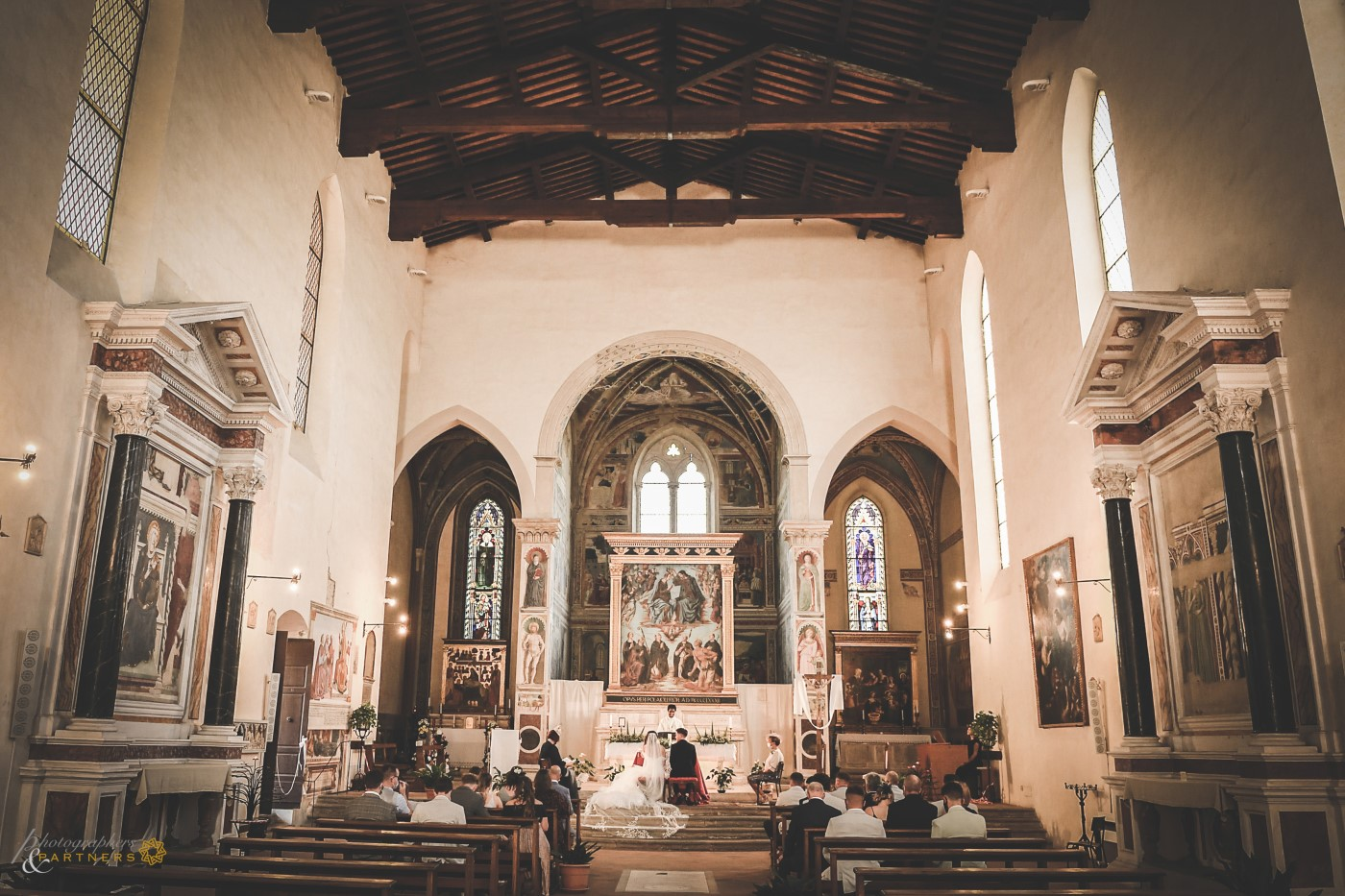 A panoramic photo of the beautiful church.