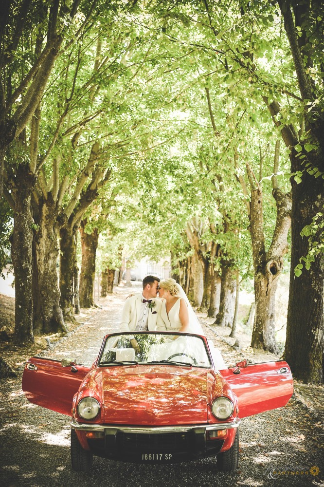 Romantic shoot in the beautiful vintage car.